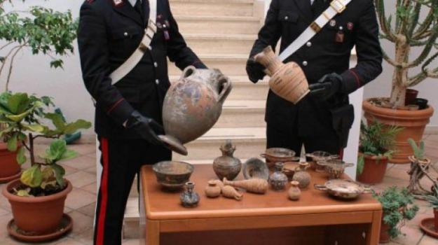 indagati, museo, reperti archeologici, Michele Bisceglie, Romina Rizzo, Catanzaro, Calabria, Cronaca