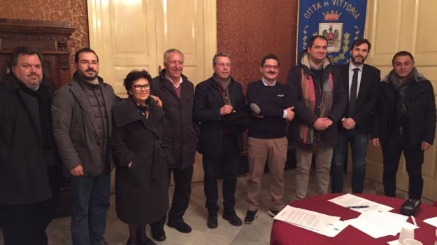 agricoltura in crisi, conferenza sindaci, vittoria, Sicilia, Archivio