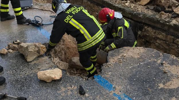 evacuazione, rottura, San Leo, tubo gas, Catanzaro, Calabria, Archivio