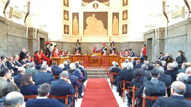 anno giudiziario, avvocati, magistrati, messina, protesta, Messina, Archivio