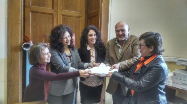 accorinti, fiducia, Messina, Archivio