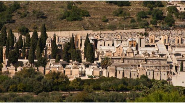 Nas al cimitero, scicli, Tombe allagate, Sicilia, Archivio