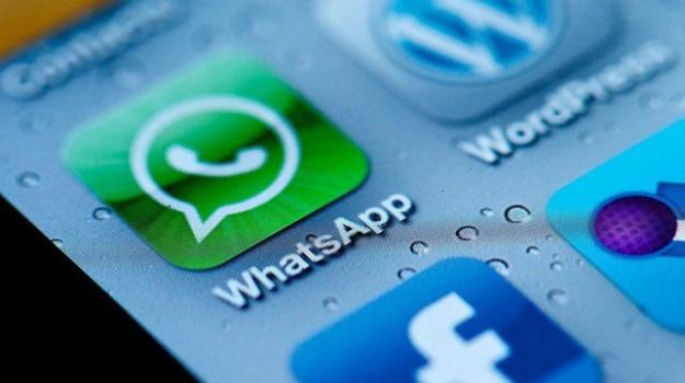 facebook, twitter, wechat, whatsapp, Sicilia, Archivio, Cronaca