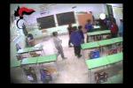 Il video che inchioda gli insegnanti violenti