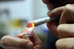 Giovani e droghe leggere: ne fa uso 1 su 10, anche a scuola