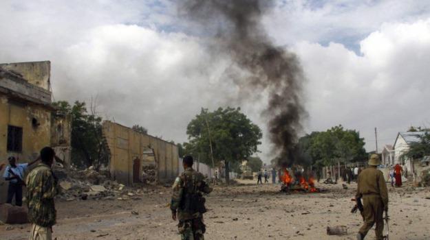 autobomba, mogadiscio, somalia, Sicilia, Mondo