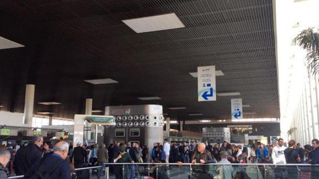 aeroporto di catania, etna, Sicilia, Archivio