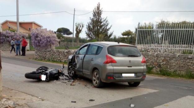 Grave 29enne, incidente stradale, modica, Sicilia, Archivio