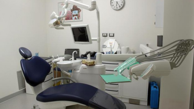 dentista Spadafora, truffa Asp Messina, Maristella Zagami, Messina, Sicilia, Cronaca