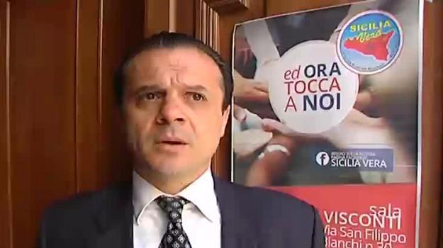 atm messina, Cateno De Luca, Renato Accorinti, Messina, Sicilia, Politica