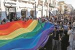 Pride dello Stretto, il sindaco di Messina fa dietrofront sul patrocinio gratuito