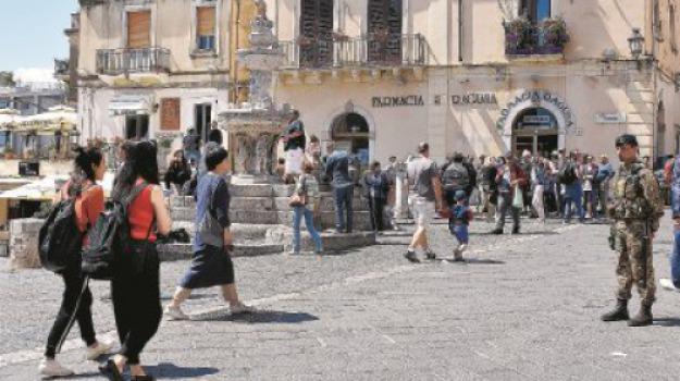 taromina g7, Messina, Sicilia, Archivio