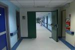 Gli ospedali di Reggio vanno in tilt, il personale cala ai minimi storici