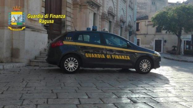 prodotti contraffatti, scicli, Sequestro Finanza, Sicilia, Archivio