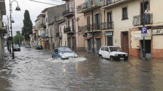 castrovillari, pioggia Castrovillari, scantinati allagati, Cosenza, Calabria, Cronaca