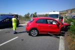 Scontro tra auto sulla tangenziale di Reggio, 5 feriti