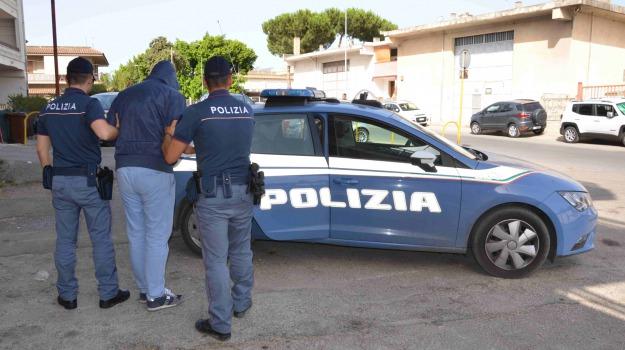 arresto, polizia, violenza, vittoria, Sicilia, Archivio