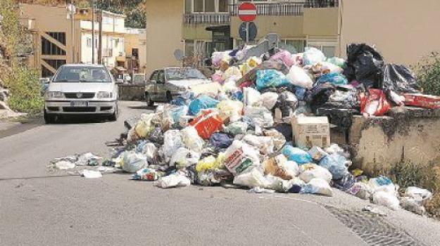 dalai lama, messina, rifiuti, Messina, Sicilia, Archivio