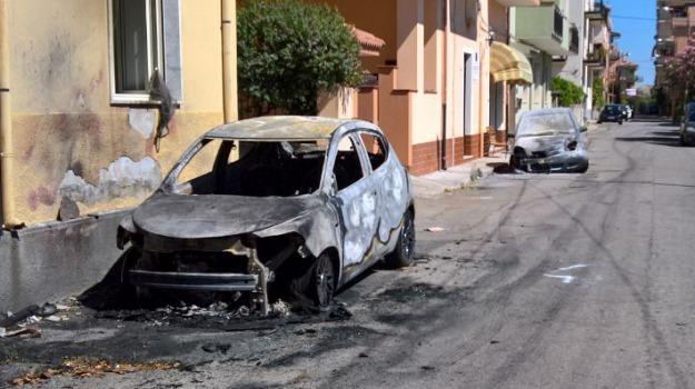 auto in fiamme, incendio, santa caterina dello jonio, Catanzaro, Calabria, Archivio
