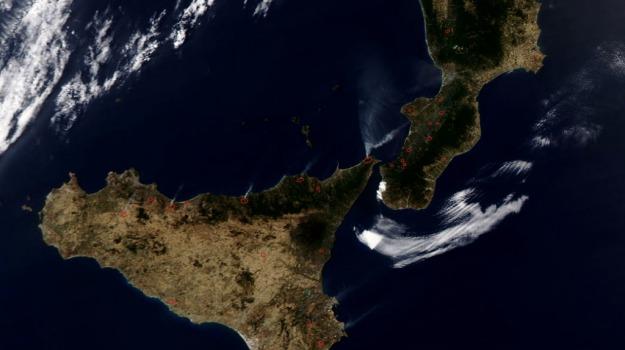 foto, incendi, nasa, Sicilia, Calabria, Archivio