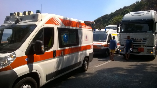 a18, incidente, messina, Messina, Sicilia, Archivio