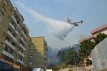 Paura a San Jachiddu, fiamme nel condominio FOTO