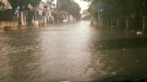 ganzirri, messina, pioggia, Messina, Archivio