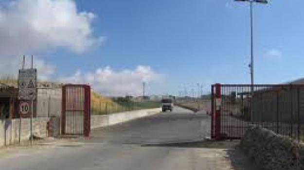 discarica chiusa, emergenza rifiuti, ragusa, Sicilia, Archivio