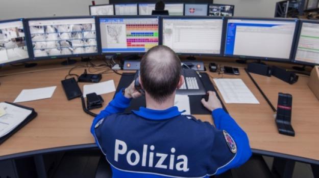 maltrattamenti in famiglia, poliziotto, Sicilia, Archivio