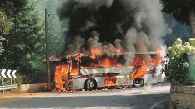 bus in fiamme, scout, Reggio, Calabria, Archivio