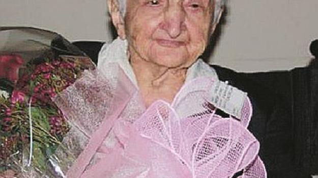 108 anni, catanzaro, caterina garieri, san vito, Catanzaro, Archivio