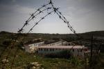 Lampedusa, la svolta: togliere l'hotspot