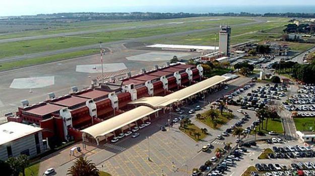 aeroporto, bergamo, lamezia, ryanair, Catanzaro, Calabria, Archivio