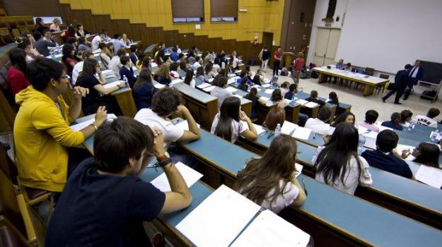 coronavirus, regione siciliana, studenti, Sicilia, Economia