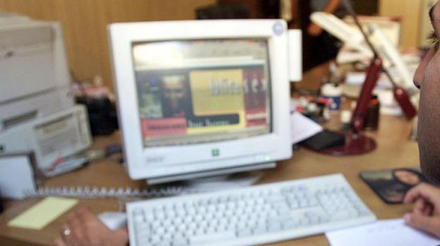 email spoofing, siracusa, spagna, Sicilia, Archivio, Cronaca