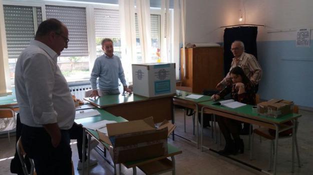 corigliano, cosenza, fusione, referendum, rossano, Cosenza, Calabria, Archivio