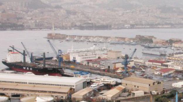 cantieri navali, messina, zona falcata, Messina, Sicilia, Archivio