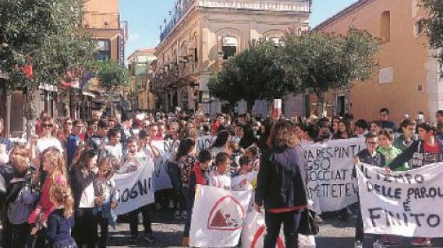 protesta, scuole, taormina, Messina, Sicilia, Archivio