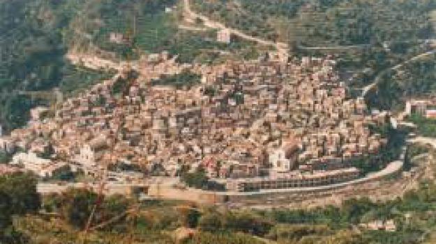 cateno de luca, fiaccolata, fiumedinisi, Messina, Archivio