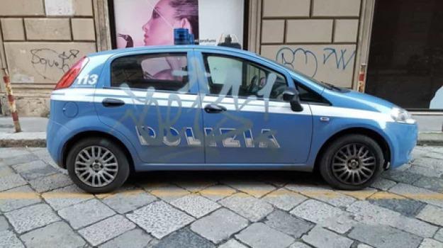 auto della polizia, palermo, writer, Sicilia, Archivio