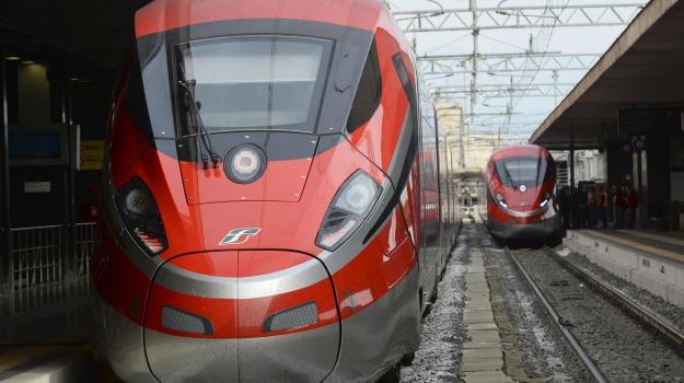 ferrovie dello stato, treni calabria, trenitalia, Sicilia, Economia