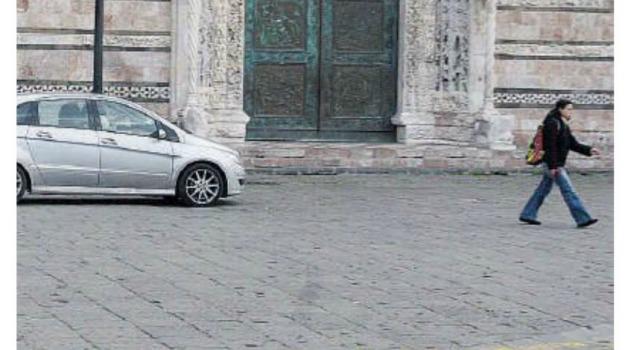 isole pedonali, messina, piazza duomo, viabilit�, Messina, Archivio