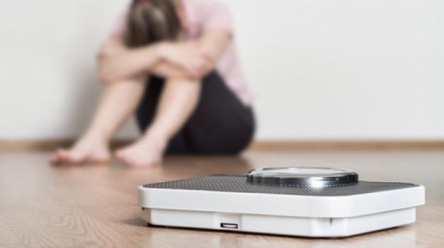 anoressia e bulimia nelle scuole, Cosenza, Calabria, Società