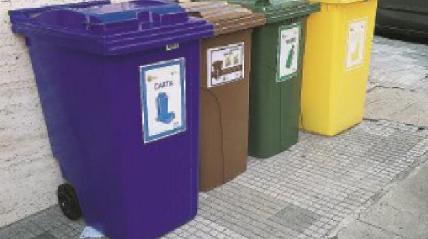 catanzaro, differenziata, rifiuti, Catanzaro, Sicilia, Calabria, Archivio