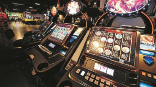 cassano, ludopatia e gioco d'azzardo, ordinanza, Cosenza, Calabria, Politica