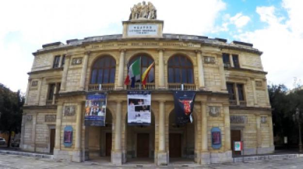 fondi furs, messina, teatro, vittorio emanuele, Messina, Sicilia, Archivio
