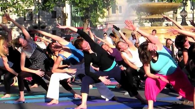 flashmob, messina, yoga, Messina, Archivio
