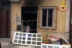 Esplosione in un'abitazione, due feriti