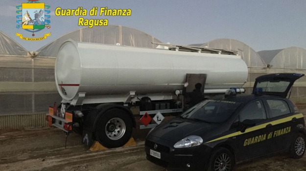guardia di finanza, scicli, sequestro carburante, Sicilia, Archivio