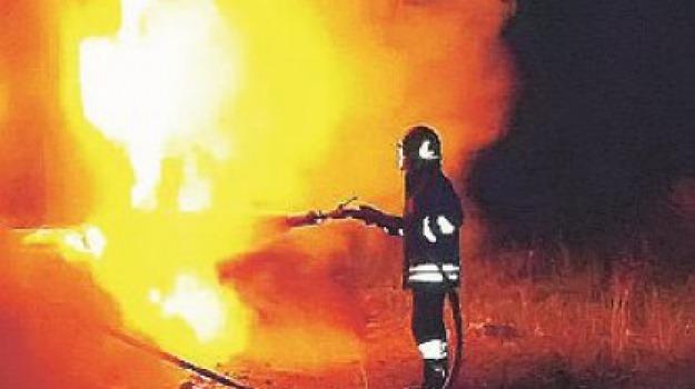 auto incendiate, praia a mare, Cosenza, Calabria, Archivio